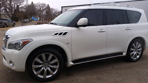 2014 Infiniti QX80 8 seater LOADED