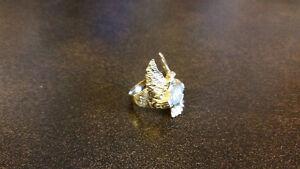 Gold Eagle Ring Regina Regina Area image 2