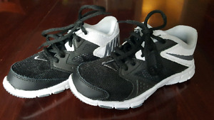 Boys Nike Running Shoes - Excellent condition