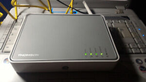 Thomson TG585 V8 adsl2+ wireless modem and router