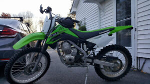 2017 KLX140G HAS PAPERS, LOW KILOMETERES AND HOURS