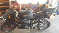 2007 triumph Daytona 675 mint condition black and gold