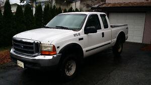 2000 Ford F-250 Super Duty XL Pickup Truck