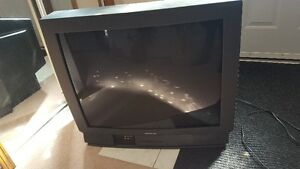 32 inch Hitachi TV