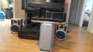 1000 Watts LG LH-T9654 5.1 home theater for sale!