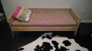 Kid/ Day Bed - Like New, Rarely Used, Clean, Comes with Matress Edmonton Edmonton Area image 1