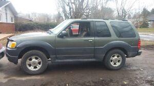 2002 Ford Explorer Sport xlt VUS