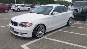 BMW 128i | ALPINE WHITE / CORAL RED | 6MT