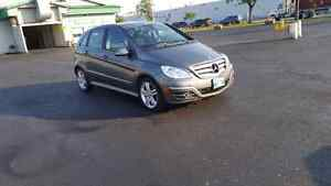 2011 MERCEDES BENZ B200 TURBO. 4 CYLINDER. PRIVATE SALE. SAFTIED