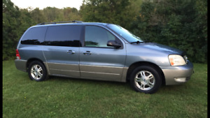 2004 Ford Freestar SEL 7 Seater