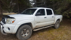 2005 Toyota Tacoma 6 speed new frame best offer or trade
