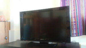 Sony Bravia 32bx320 720p LCD HDMI (with stand)