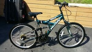 Huffy Tundra 21 speed Full Suspension Junior Mountain Bike