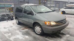 1998 Toyota Sienna *ONLY 181000K***REMOTE STARTER/ALARM***
