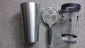 Stainless steel cocktail shaker drink mixer