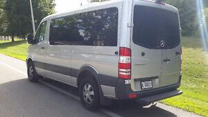 Chauffeur privé avec Mercedes vans 2016 11 passagers