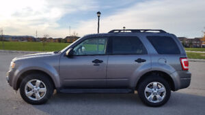 REDUCED**Mint** 2009-Ford-Escape-4WD – Leather Moonroof