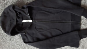 AUTHENTIC LULULEMON ScubaHOODIE SIZE 8..SELL OR TRADE FOR SIZE 6