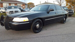 2009 Lincoln Town Car POLICE EDITION ECHANGE ??
