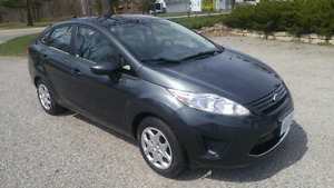 2011 Ford Fiesta LOW KM CHEAP on GAS