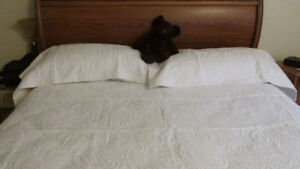 King size coverlet with shams