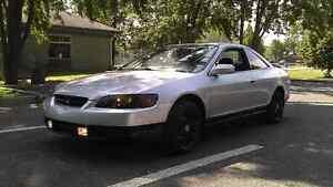 Honda accord 1998  800$ FERME