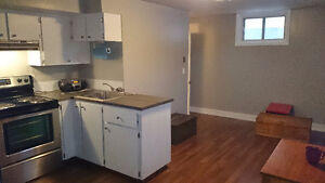 1 BEDROOM BACHELOR SUITE IN HOUSE