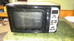 Rival combination microwave and toaster oven