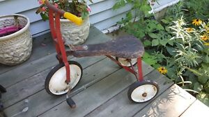 Antique Tricycle with wooden seat - great outdoor decor piece West Island Greater Montréal image 2