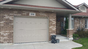 3 YEAR NEW RANCH-STYLE TOWNHOME-PREMIUM STAINLESS APPL