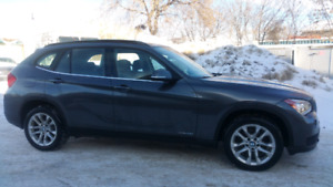 2014 BMW X1 AWD *one owner *no accidents *low kms *pano roof