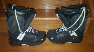 K2 womens size 7 snowboarding boots