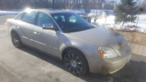 2005 Ford Five Hundred AWD.... fully loaded... w/safety&etest