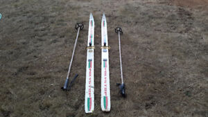 Antique skis