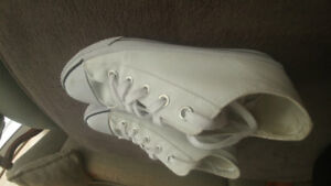 Airwalk white converse style shoes low price