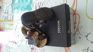 Sandale. Geox garcon size 3 / 19