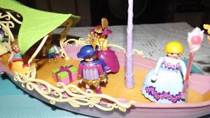 Bateau princesse de Playmobil, personnages +accessoires