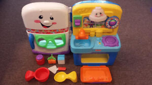 FISHER PRICE LAUGH & LEARN LEARNING KITCHEN STOVE REFRIGERATOR
