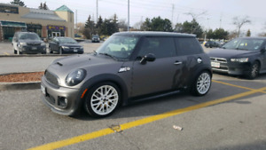2013 Mini Cooper S Upgraded and Low KMS