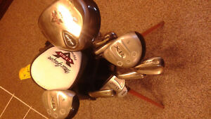 Set of Left Handed Golf Clubs with Bag.