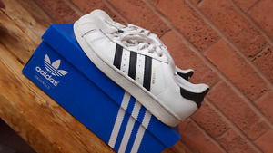 ADIDAS SUPERSTARS SNEAKERS SIZE 6.5