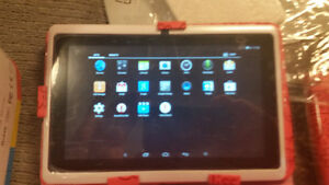 """New 8""""Android tablets ME blue or pink Peterborough Peterborough Area image 3"""