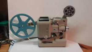 Vintage Eumig P8 Film Projector - P8  - working
