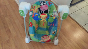 Baby Bouncer Fischer, Music and calming vibration... Like New