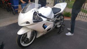 Moto Suzuki GSXR 750 2003 Track et Street