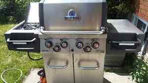 Broil King BBQ with side burner and rotiserrie