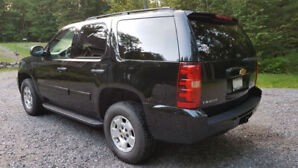 Mint 2014 Chevy Tahoe LT - Black - 95K kms