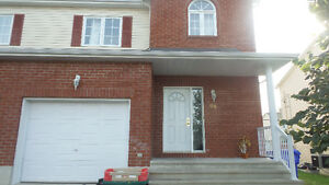 3 bedroom detached house,looking for roommates