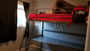 Bunkbed and desk