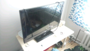 "34"" RCA Flat Screen TV"